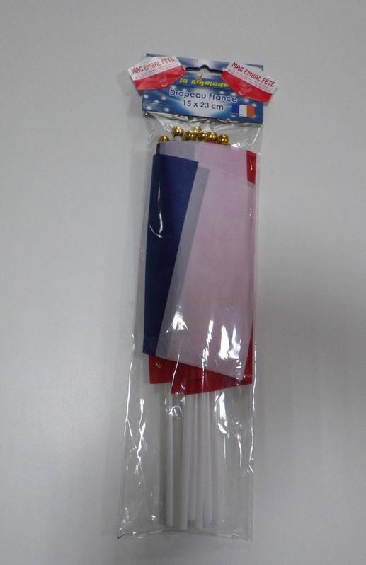 12 drapeaux tricolores 15x23cm mag embal fete. Black Bedroom Furniture Sets. Home Design Ideas